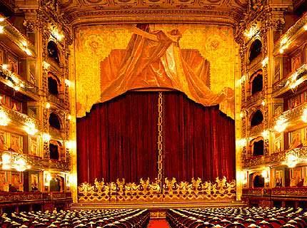 2 Teatro Colon