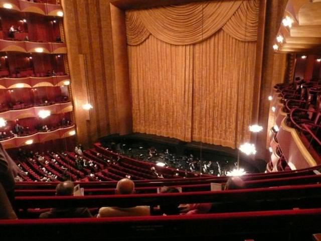 7 The Metropolitan Opera House