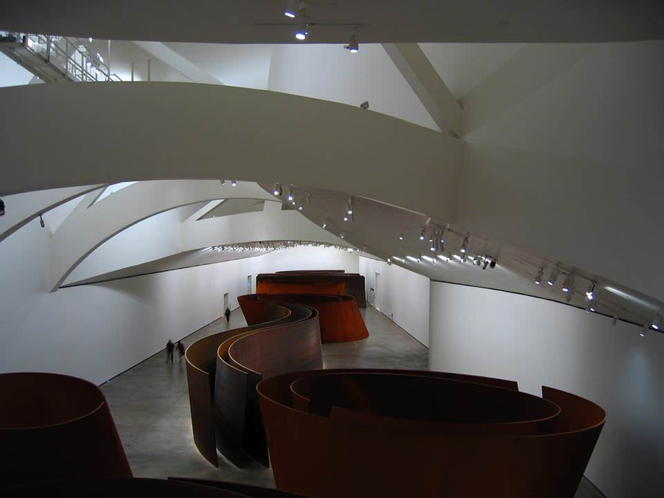 7 contemporary art museums world of theatre and art place for beautiful things for Guggenheim museum bilbao interior