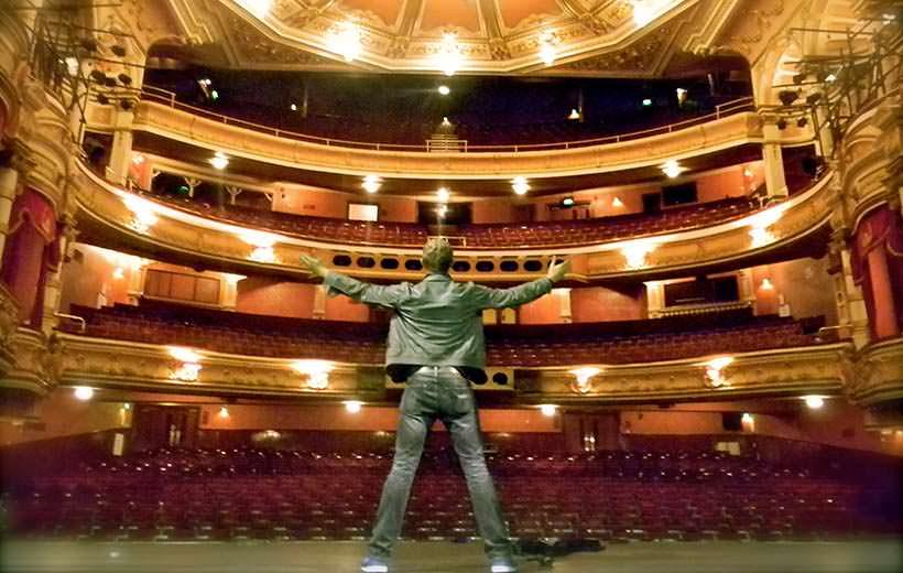 theatre-audience-theatres-loud-last
